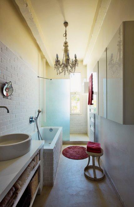 """Un zocalo en el cuarto de baño: """"El regreso"""" - Decoratualma"""
