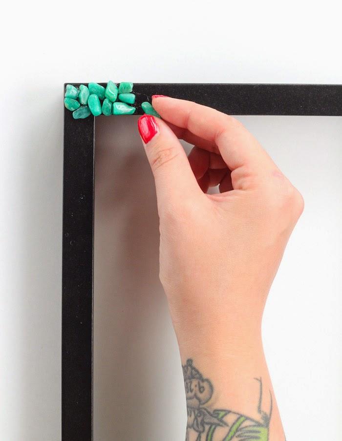 DIY: Marco con piedrecitas - Decoratualma