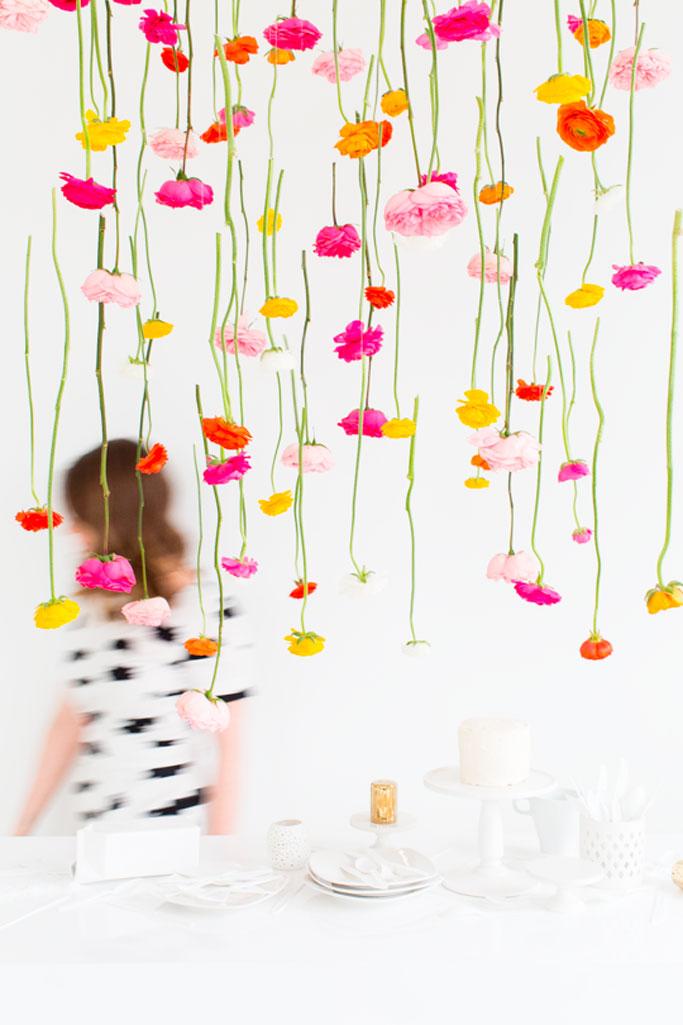 01-diy-hanging-flower-installation-dta