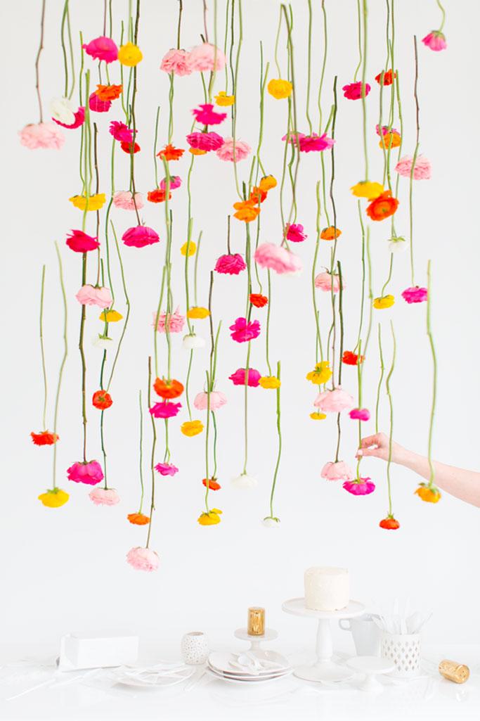 02-diy-hanging-flower-installation-dta