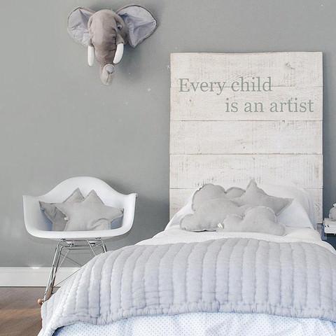 gris-elefante-cartel-artista-creativo