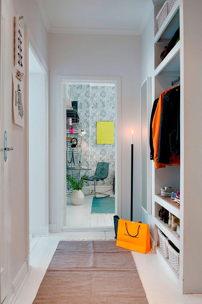 18-pasillo-con-armario-abierto-decoratualma