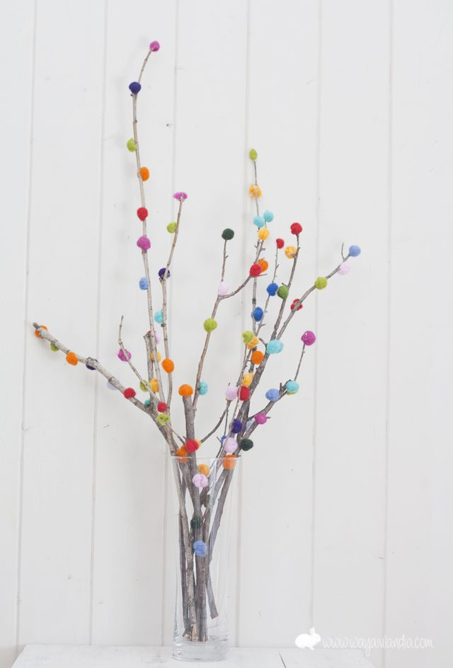Jarron con centro floral de bolitas de colores diy manualidades decoratualma DTA