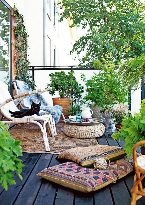C mo decorar un balc n peque o decoratualma for Rincones de jardines pequenos