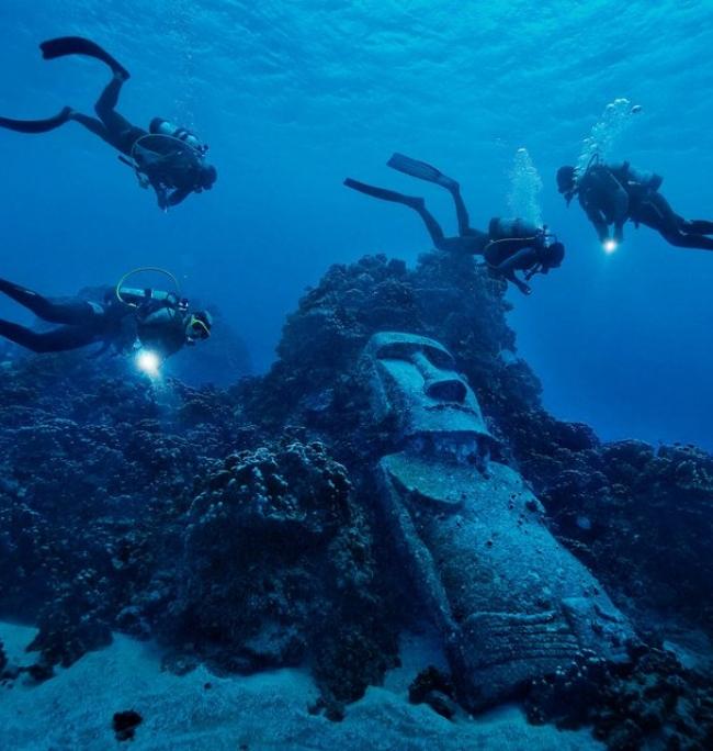 estatua,agua,hundido,bucear,personas,fondo marino