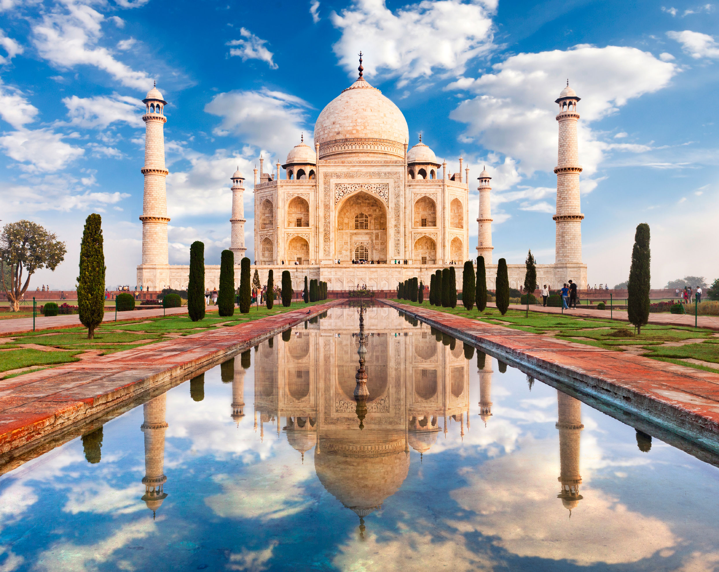 FriendlyPlanet_Taj-Mahal-iStock-18106264