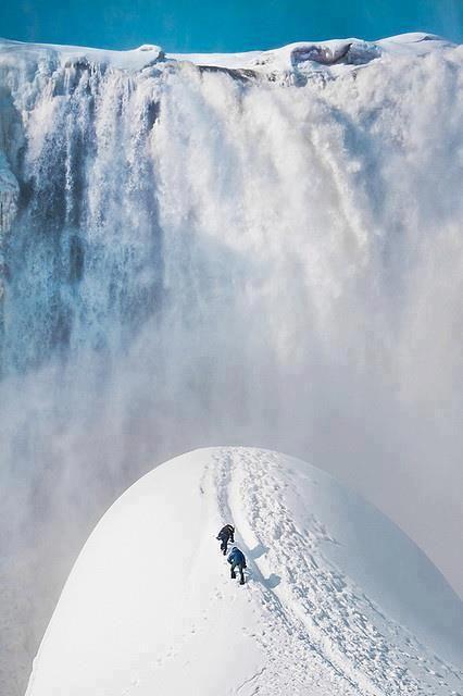 montaña,nieve,cascada,personas,escalando