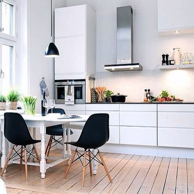 Algo se cocina en el instagram decoratualma for Sillas cocina negras