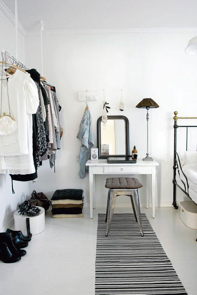 03-mini-escritorio-en-dormitorio-por-elisa-beltran-para-decoratualma