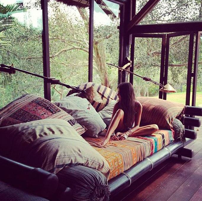 15-dormitorio-bohemio-en-el-bosque-por-elisa-beltran-para-decoratualma