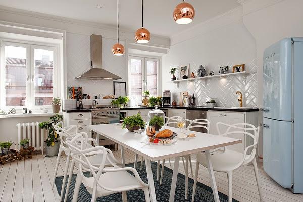 mesa alargada rectangular, 6 sillas, lámparas de cobre, estilo nórdico