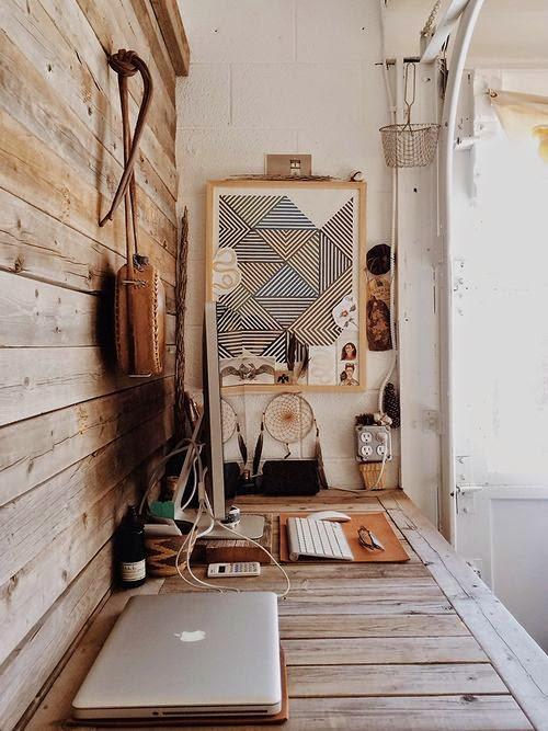 escritorio,madera,portátil,