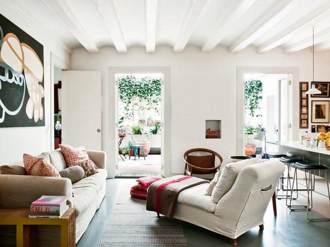 Salón con divan y vistas al patio decoratualma dta casa mobiliario y decoracion compra online