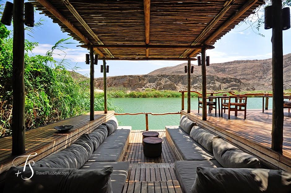 terraza,techo,sofás,mullido,lago