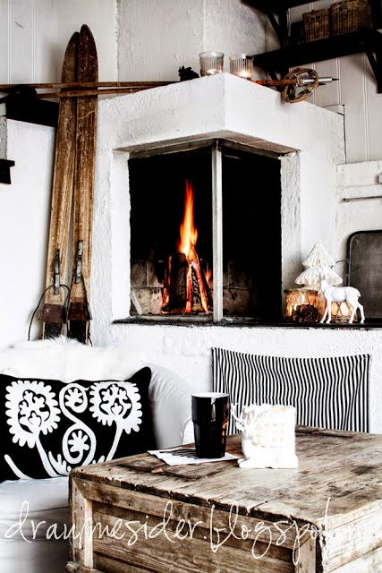 salón,chimenea,cojín