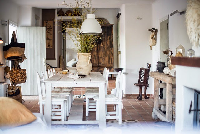 entrada,mesa,madera,blanca