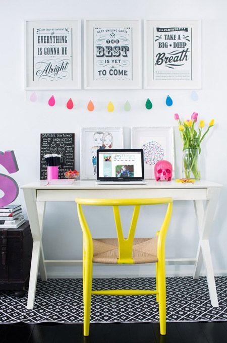 espacio de trabajo con CH24 amarilla decoratualma dta