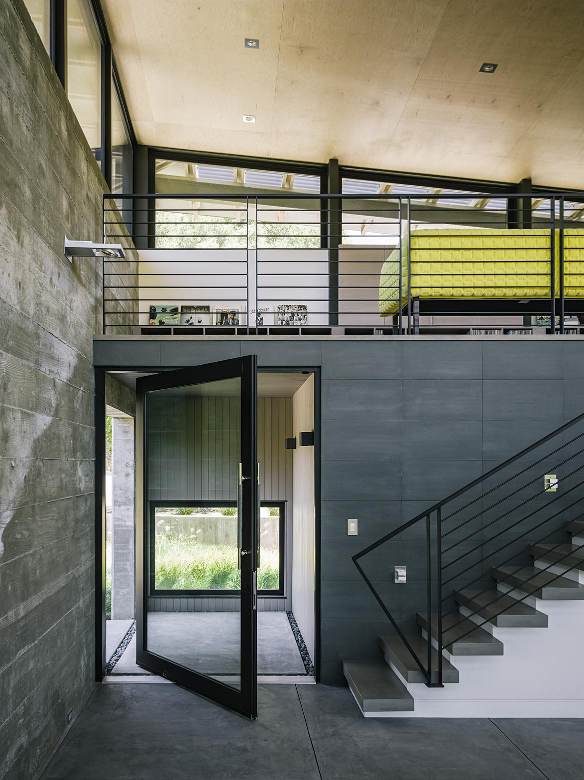 entrada,escaleras