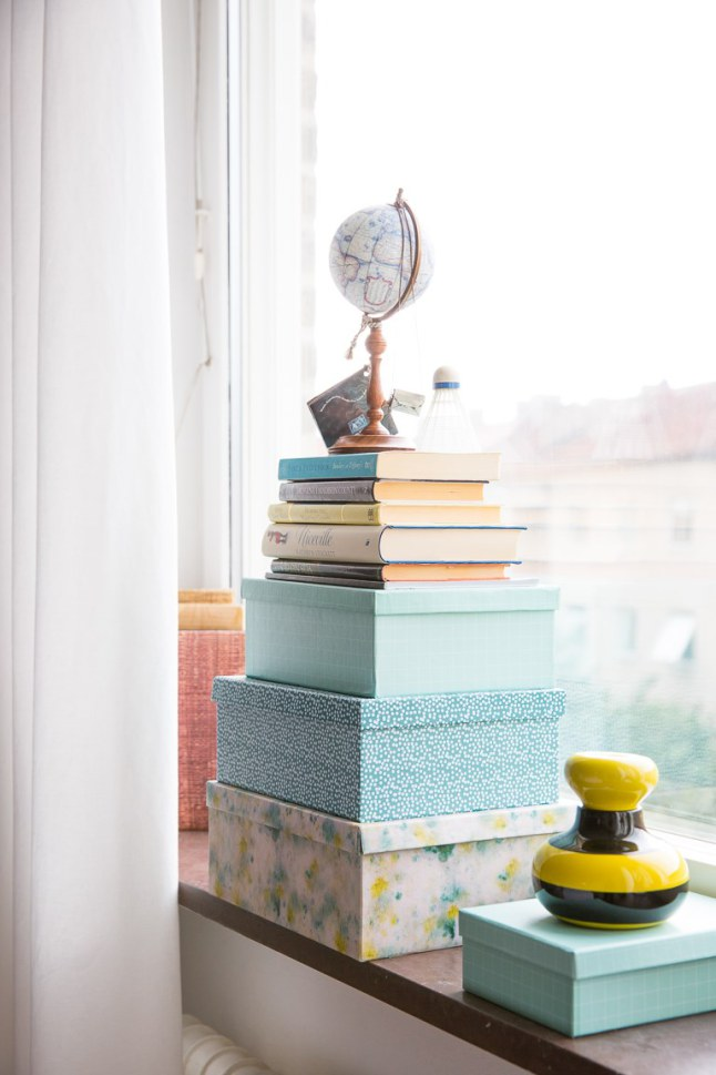 10 repisa ventana con objetos decoratualma dta