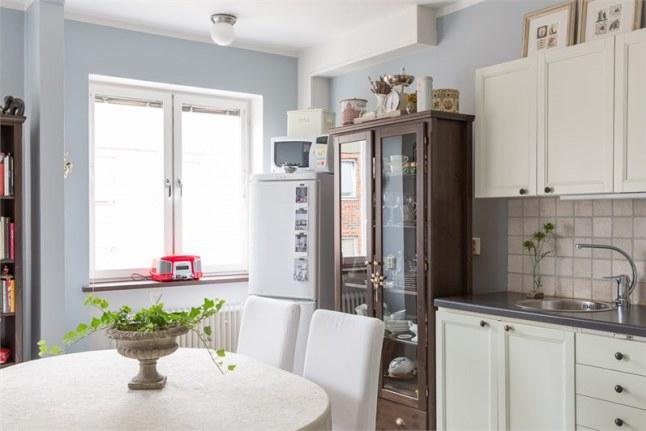 Estudio chic de 50 metros cuadrados decoratualma for Cocina 13 metros cuadrados