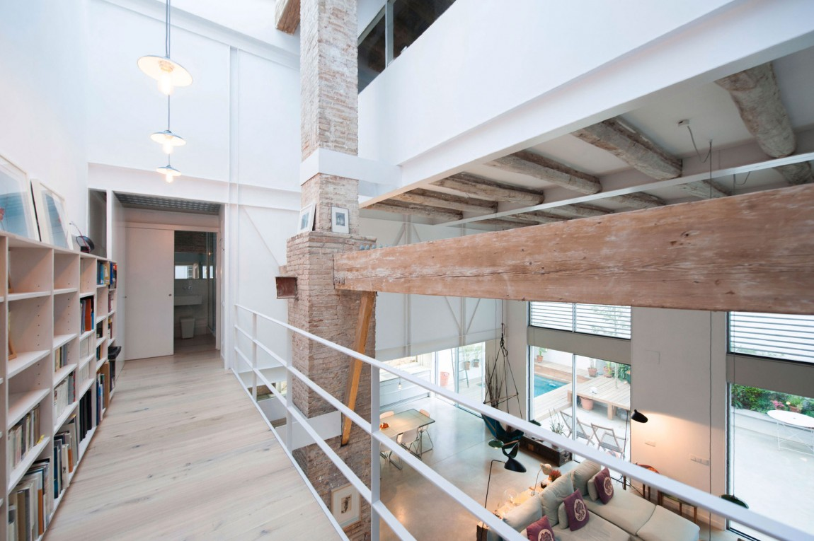 10 pasillo biblioteca casa hipster decoratualma dta loft doble altura