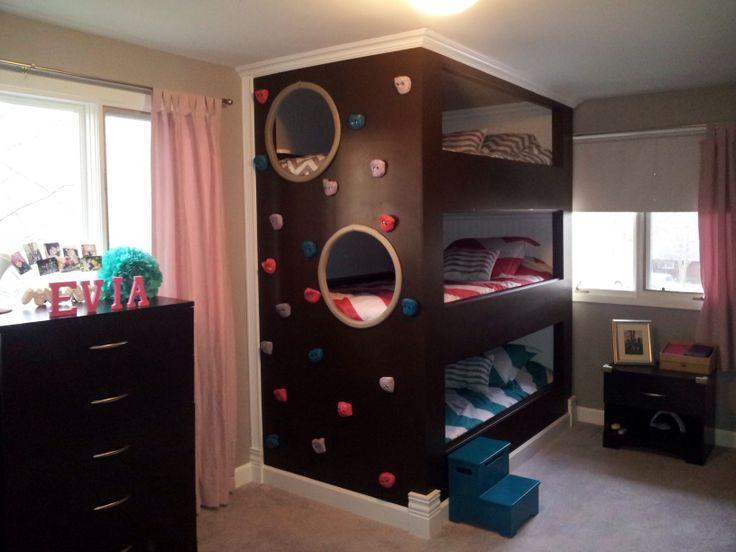 Dormitorio infantil con muro de escalada para tres decoratualma dta