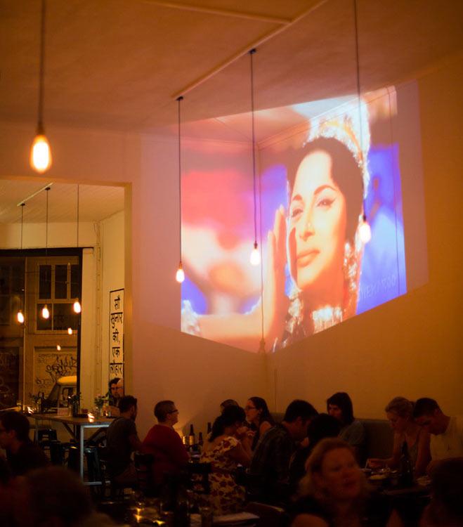 Horn please bollywood exibicion cantina india decoratualma dta