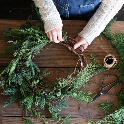 corona ramas de pino natural decoratualma