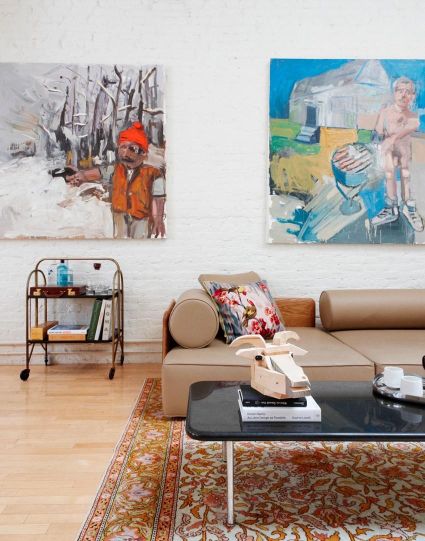 5 sofa y pared con arte