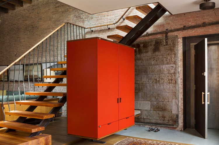 3 escaleras con armario al aire decoratualma vanguardista industrial dta