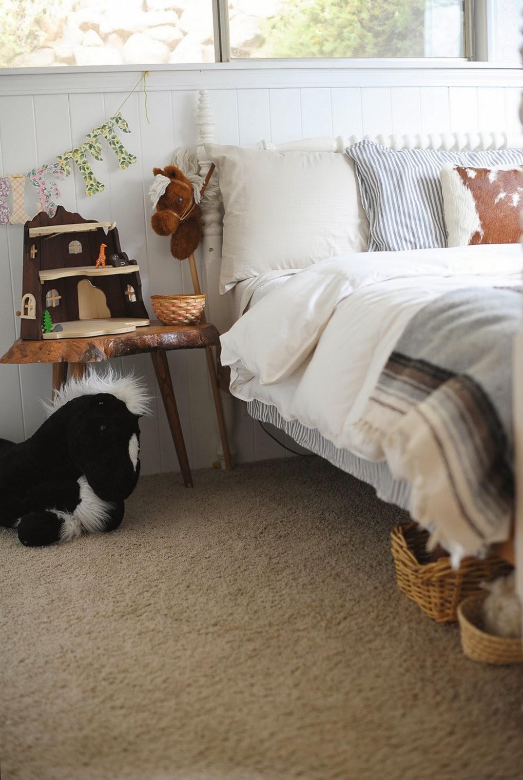 Dormitorio boho rincón