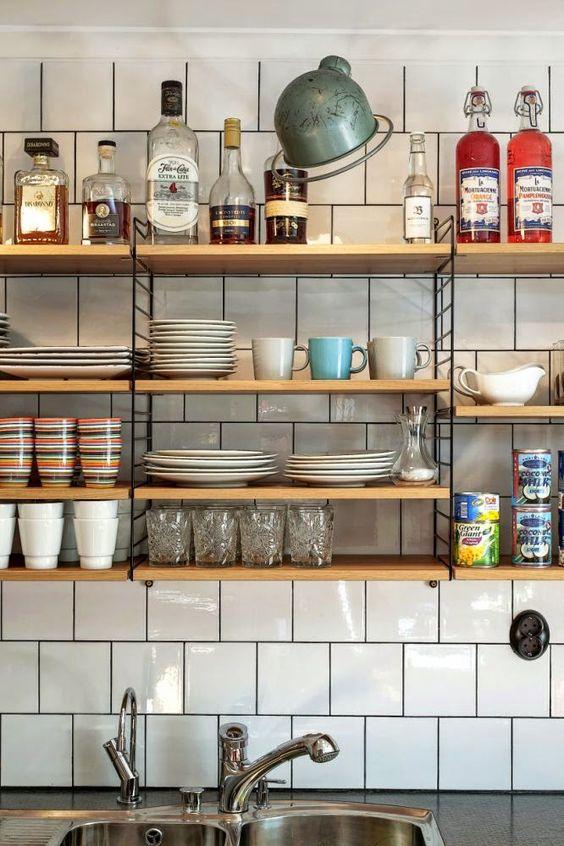 string-en-la-cocina-estanterias-armarios