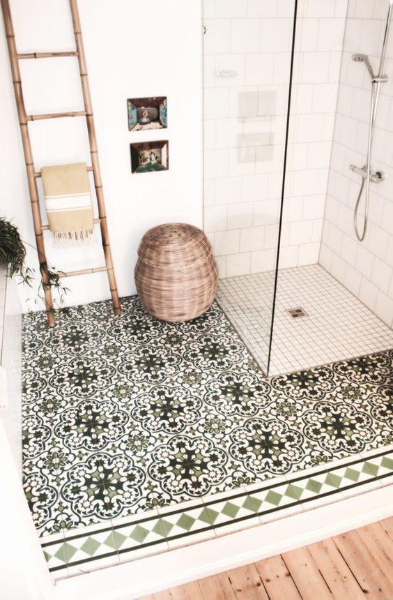 Plato de ducha cuadrado y suelo hidraulico para el baño